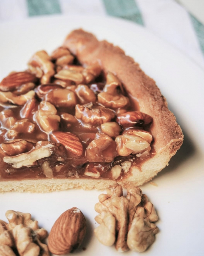 Пай с карамел и орехи